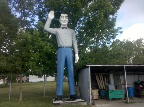 #60 Oakwood Village, OH - Waving Giant